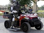 Иллюстрация к новости Видео: «роботопад» на турнире DARPA Robotics Challenge 2015