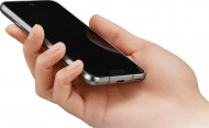 Иллюстрация к новости Sharp наделила новый смартфон дисплеем с двумя вырезами