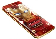 Иллюстрация к новости Смартфон Galaxy S6 Edge Iron Man Limited Edition выполнен в золотисто-красном цвете